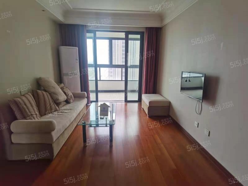 九龙湖旁 保利中央公园精装三房 看房方便