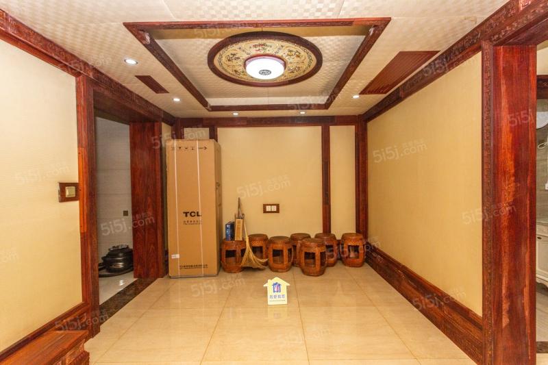 堪比别墅,逸品轩,电梯洋房,一楼赠小院,赠地下室