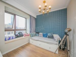月亮湾一期洋房90.68平,业主自住,诚心出售。