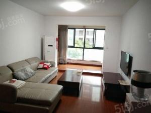C区,两室一厅,自住装修,干净清爽,拎包入