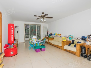 双卧室朝南,平层四居室,双南卧室带飘窗,满五年家庭一套