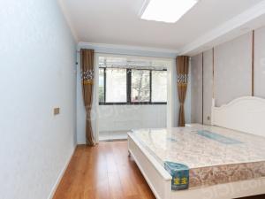 莫愁新寓郁金里 可改两室 楼层低 位置优越