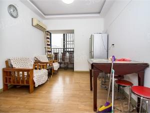 亚东国际公寓 中华门 虹悦城 低总价两房