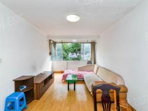 新升新苑两房两厅一卫 诚心出售 看房方便的