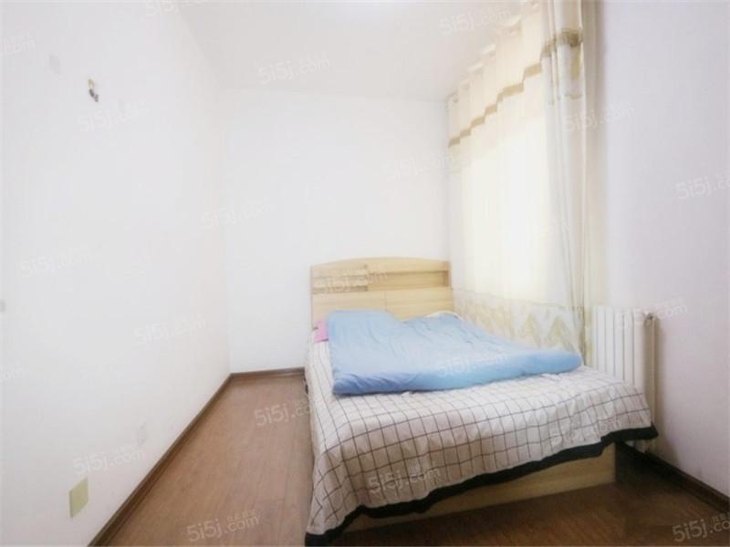青岛我爱我家沧口翠海宜居 多层洋房 一楼带地下室 满五年 精装第4张图
