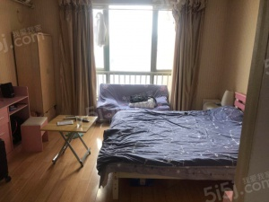 中海凯旋门朝东户型安静精装好房设施全价可谈