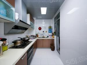 东湖林语,小区中间位置,自住装修,可改小3房