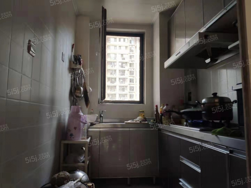 青岛我爱我家中南世纪城一期,精装套二,已满两年的地铁房,价格面议第4张图