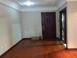 保利新出两房,三开间朝南,精装带地暖,看房方便