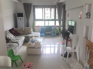 亚东城新出板楼三房 送车位楼层好 诚心卖随时看房