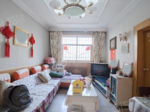 建校宿舍 75平米 两居室,户型南北通透 中间层