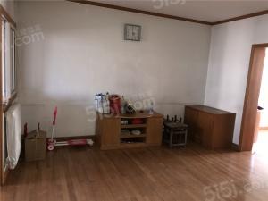 房屋南北通透;本房源精装修,保持干净,舒适整洁