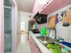 诚售!万达旁平层小公寓,自住装修保养好,采光刺眼,环境优美
