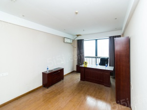 蠡湖国际公寓,地铁口,一居室,适合刚需,精装修,急售