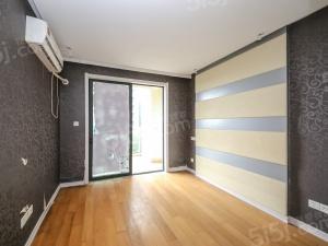 纯水岸装修好的小户,一室一厅,楼层位置好,视野开阔