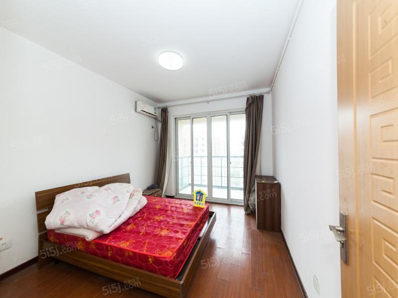 雪溪苑南北通透大两房 中上楼层全天采光 东边套有钥匙二手房