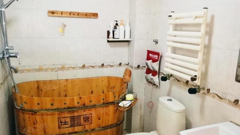 青岛我爱我家福安 永乐佳园 5室3厅1卫 精装全配 可商业第12张图