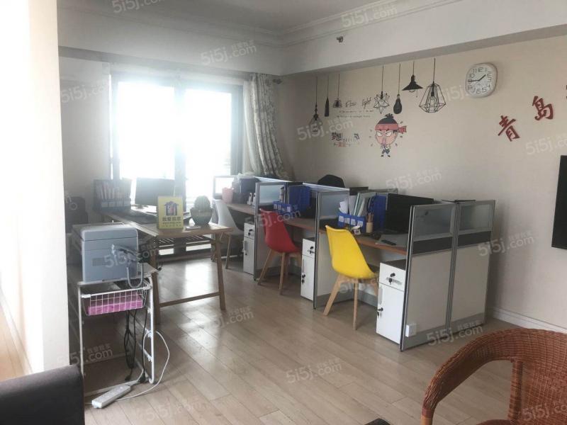 青岛我爱我家万达公馆一室一厅精装修68平方带阳台卫生间带窗户第2张图