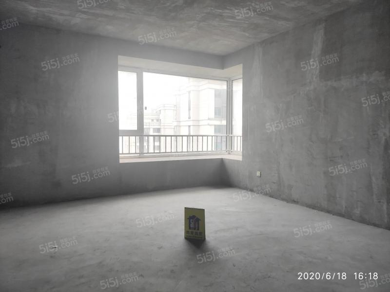 青岛我爱我家海上嘉年华前排海景房无遮挡,客厅开间6米,5.8米挑空第3张图