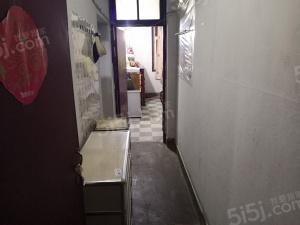 鼓楼区红山站对面 东井一村 双南好房中间楼层居住舒适