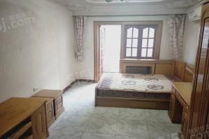 景兴西里,干净一室拎包入住,家具齐全,随时看房