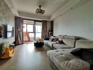 保利罗兰香谷 湖景三房 精装修楼层很好满两年采光视野很好诚卖