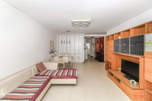逸树园新上好房,中间楼层,金角,通透户型,诚意出售