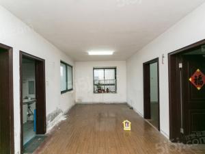 边套两房朝南户型,带边窗,周新苑三期,南北通透,有钥匙