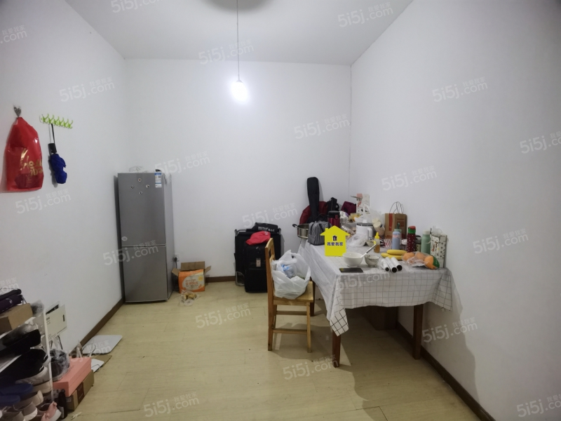 东方天郡新出 两个卧室朝南带阳台 南师南外金鹰旁